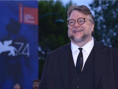 Guillermo del Toro ha vinto il Leone d'Oro a Venezia 2017 per The Shape of Water