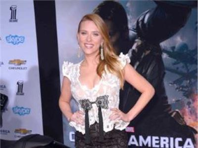 Scarlett Johansson on the red carpet of Captain America: The Winter Soldier